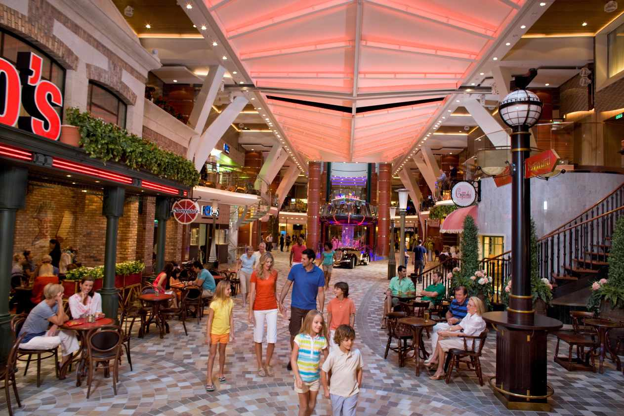 Oasis of the Seas Entertainment Place
