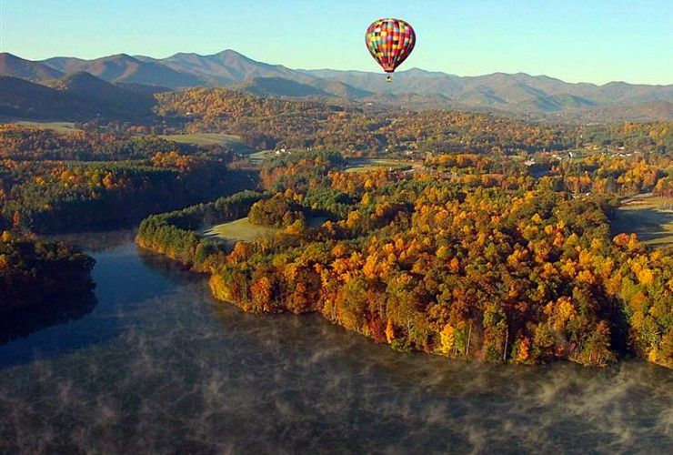 This North Carolina Hotel Will Help You Get Married in a Hot Air Balloon