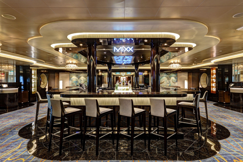 MIxx Bar on the Norwegian Escape cruise ship
