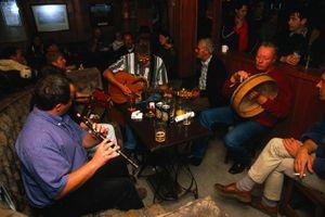 Irish musicians in action in the O'Connor's Pub, Doolin.