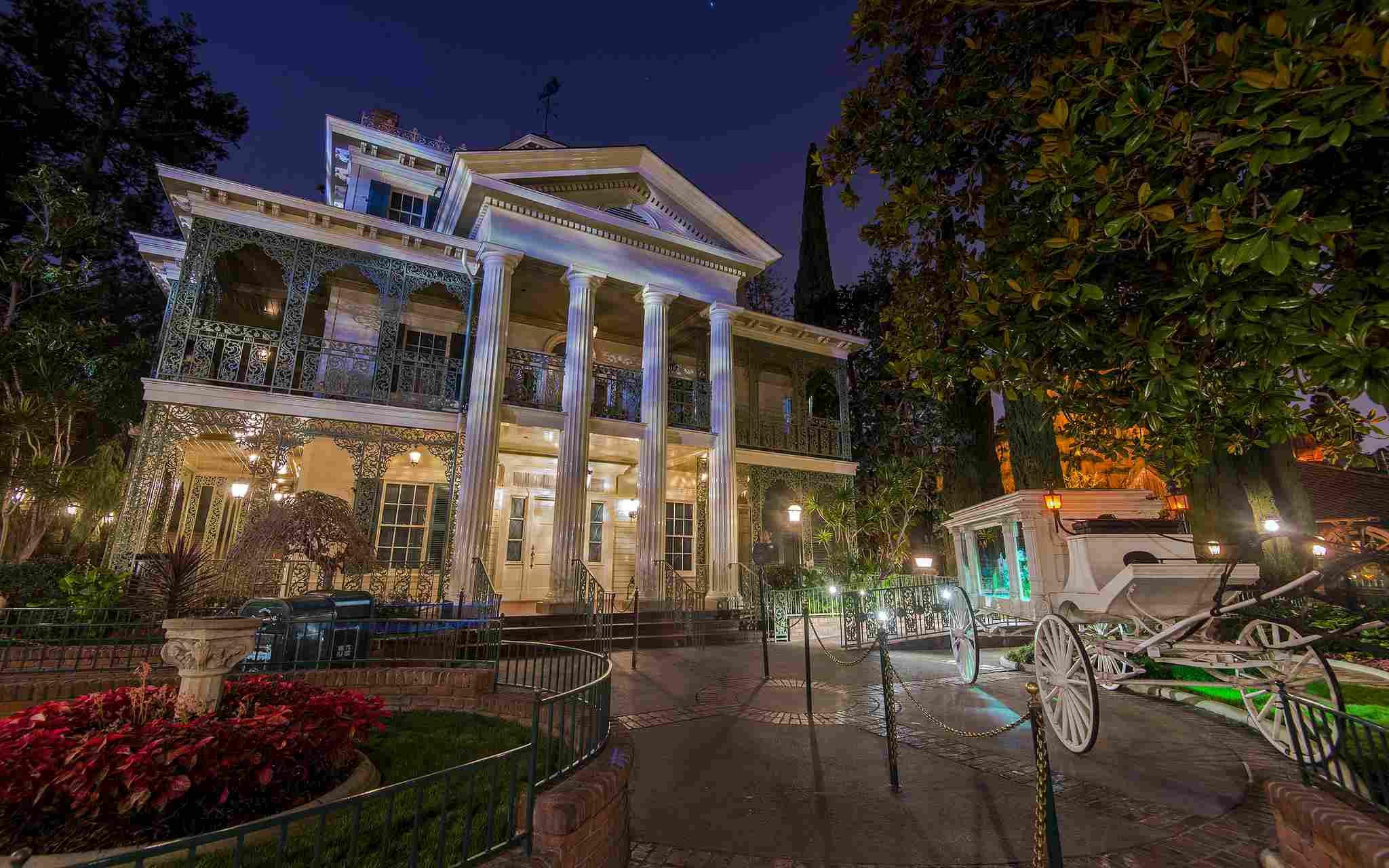 Haunted Mansion fachada shot
