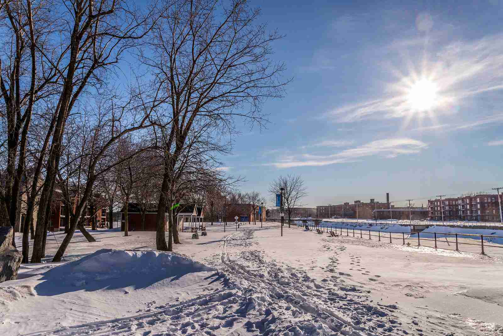 Lachine Canal country skiing and snowshoeing trails