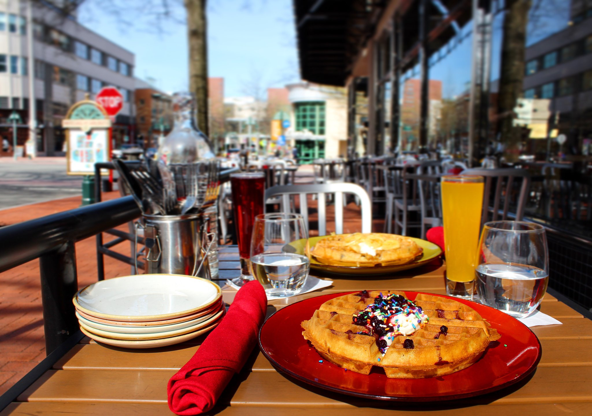 The 9 Best Bottomless Brunches In Washington Dc