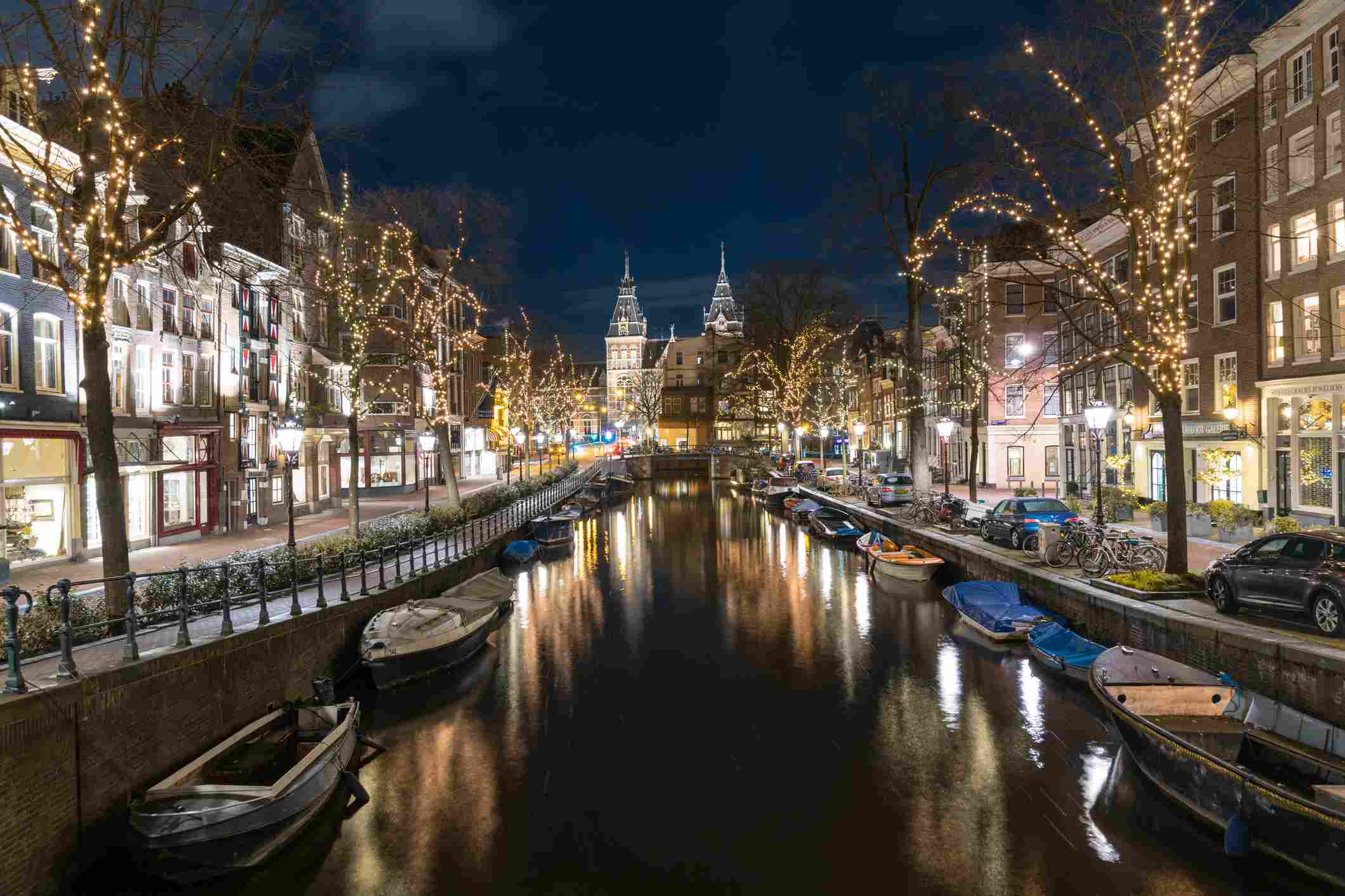 Rijksmuseum and canal at night