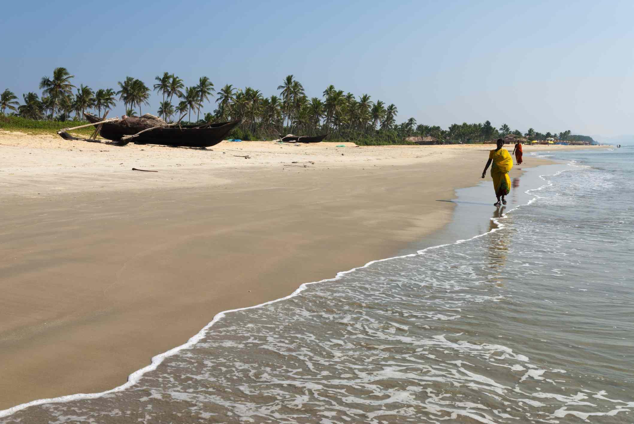 Vista a lo largo de la playa, Benaulim, Goa, India, Asia