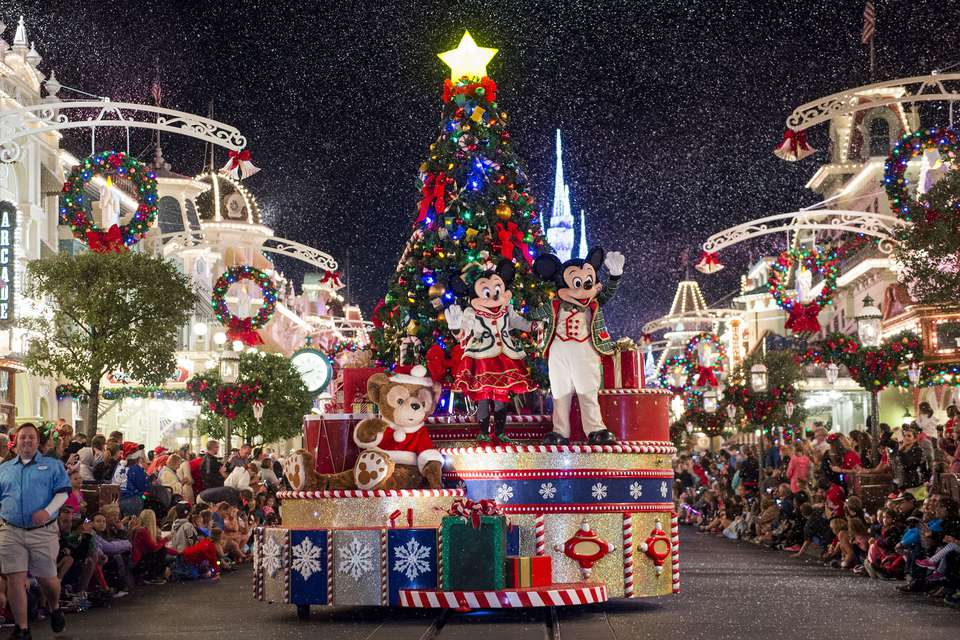 mickeys very merry christmas parade at disneys magic kingdom - When Is Disney World Decorated For Christmas