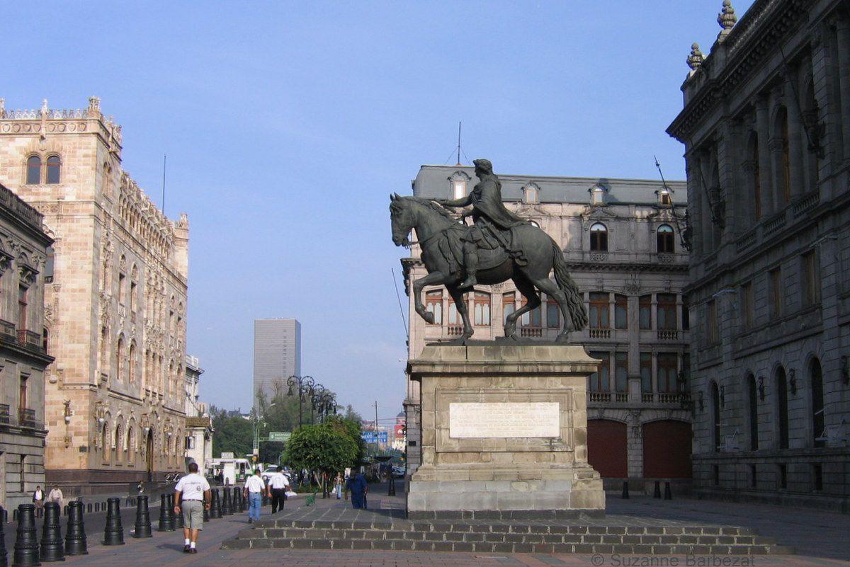 El Caballito Monument in Plaza Tolsa