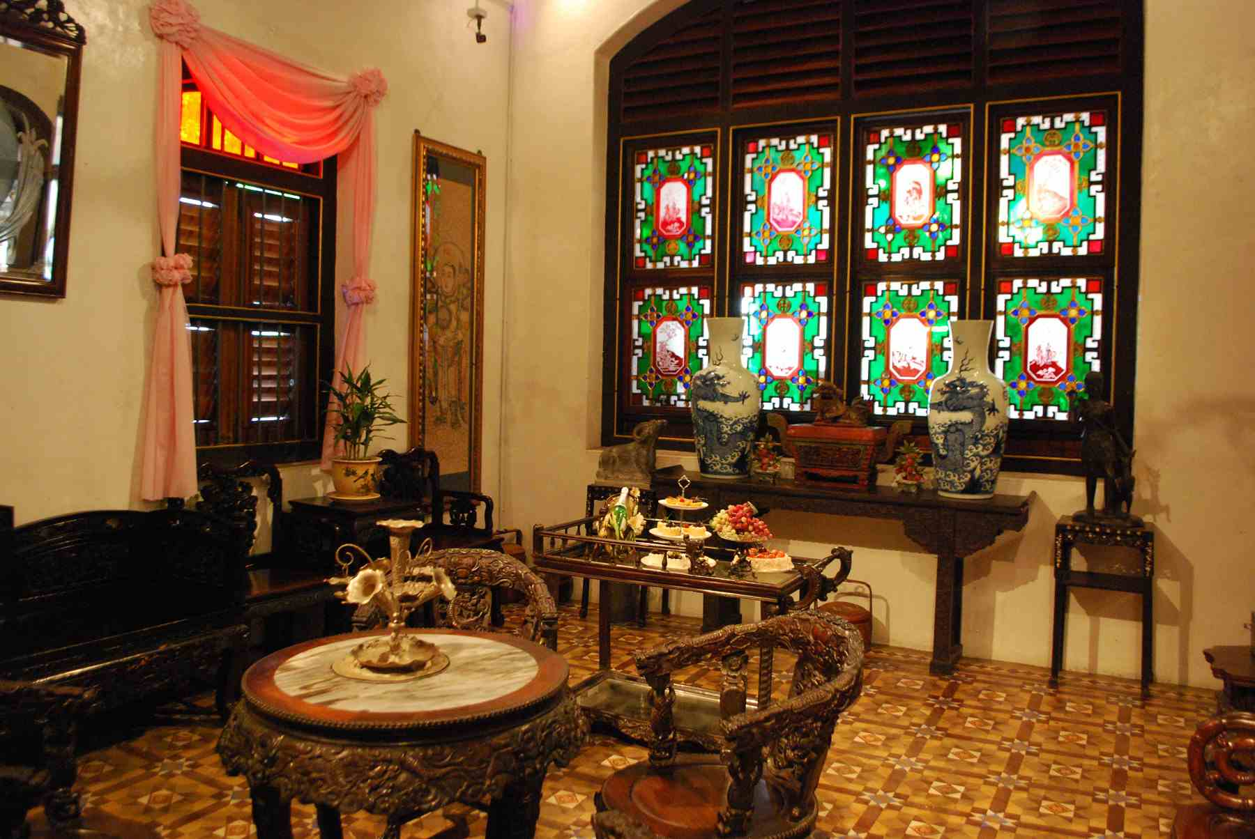 """The """"Chinese"""" anteroom at the Peranakan Museum"""