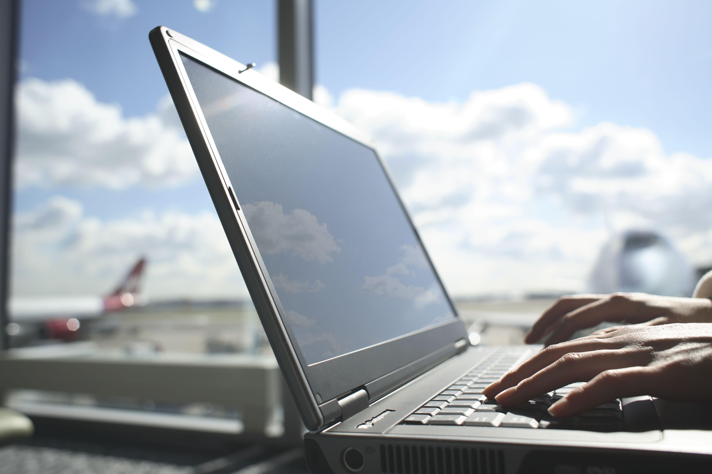 Use el sitio web de su aeropuerto para mejorar su experiencia de viaje aéreo.