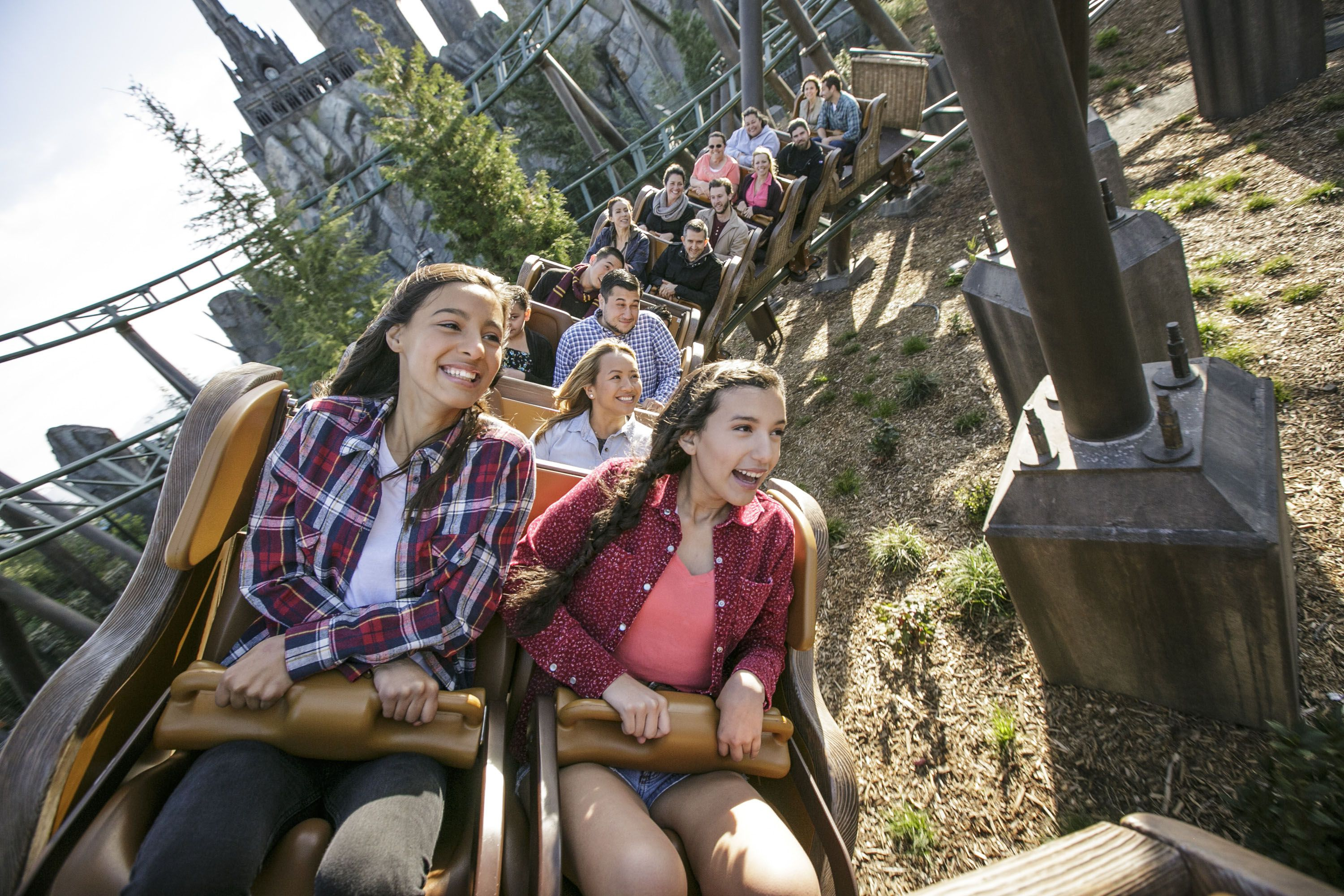 Flight of the Hippogriff coaster at USH