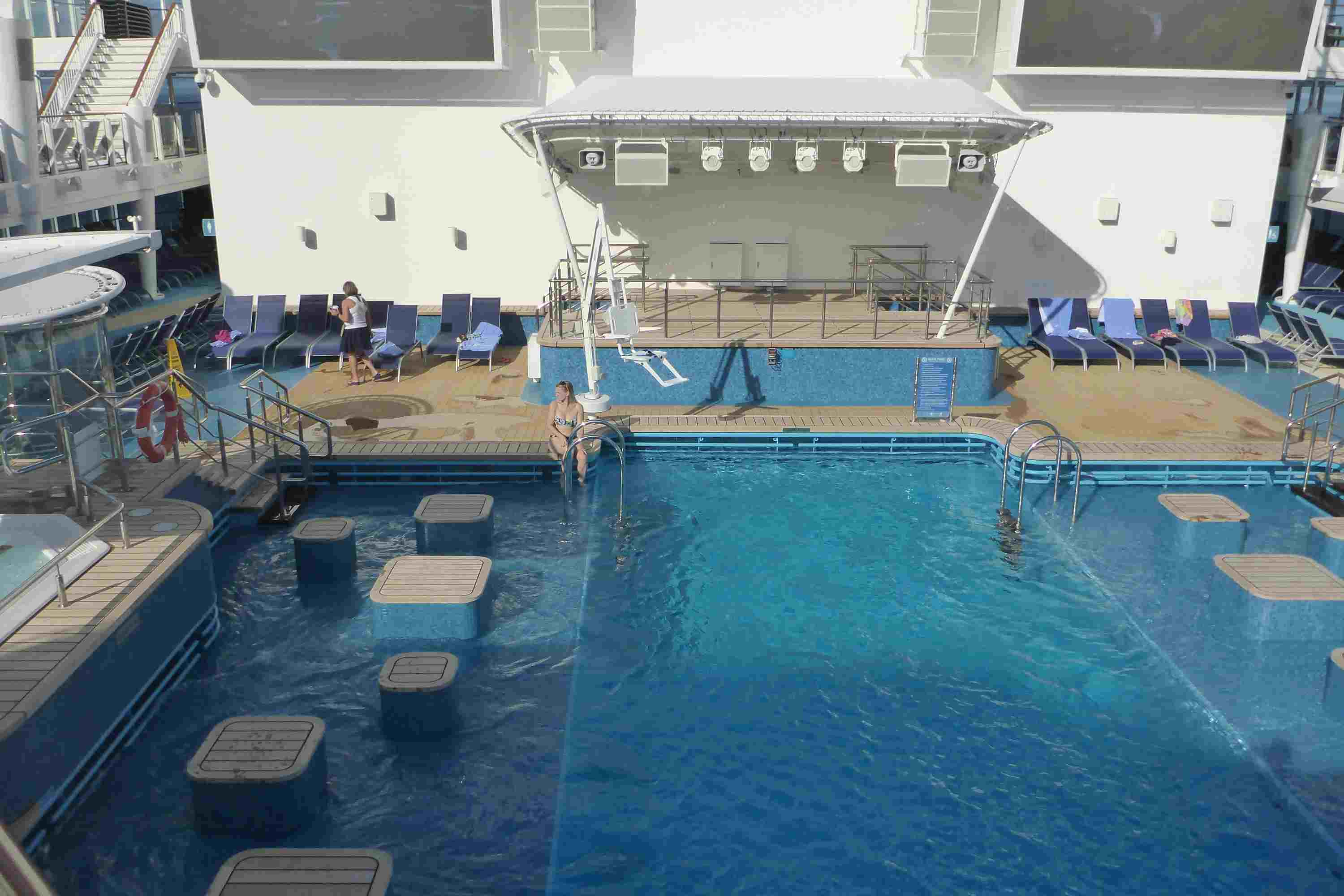 Outdoor Swimming Pool on the Norwegian Escape