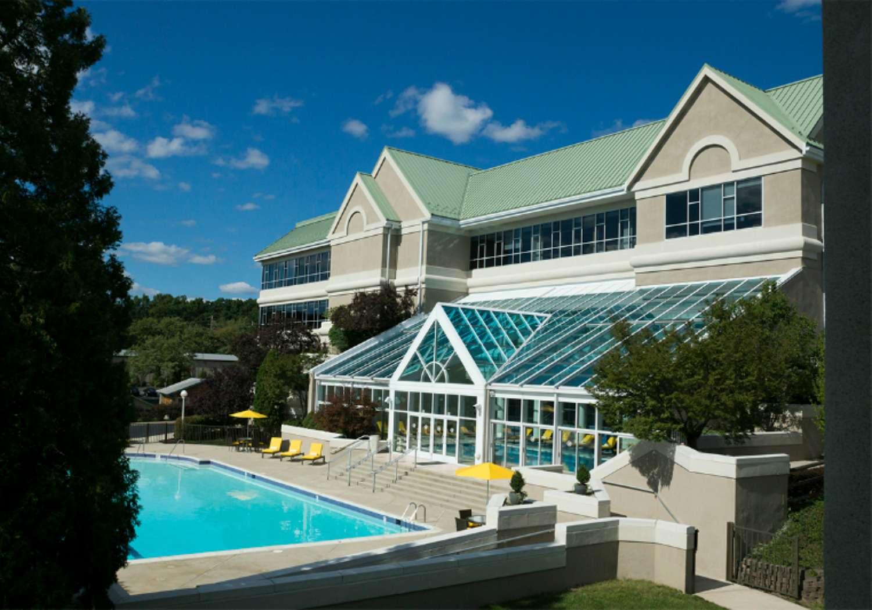Bushkill Inn & Conference Center for Family Vacations