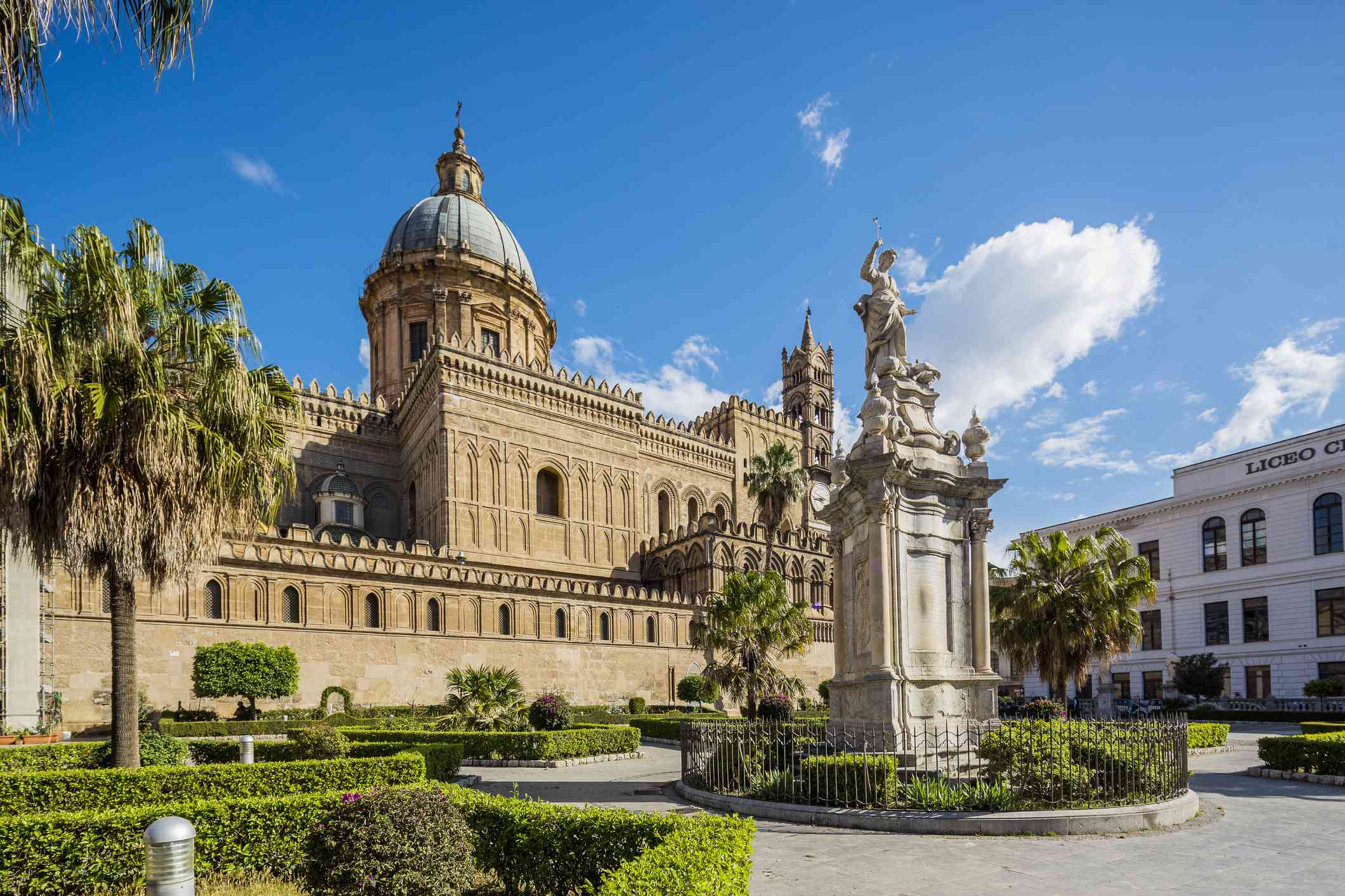 View of the Cattedrale (cathedral) di Palermo
