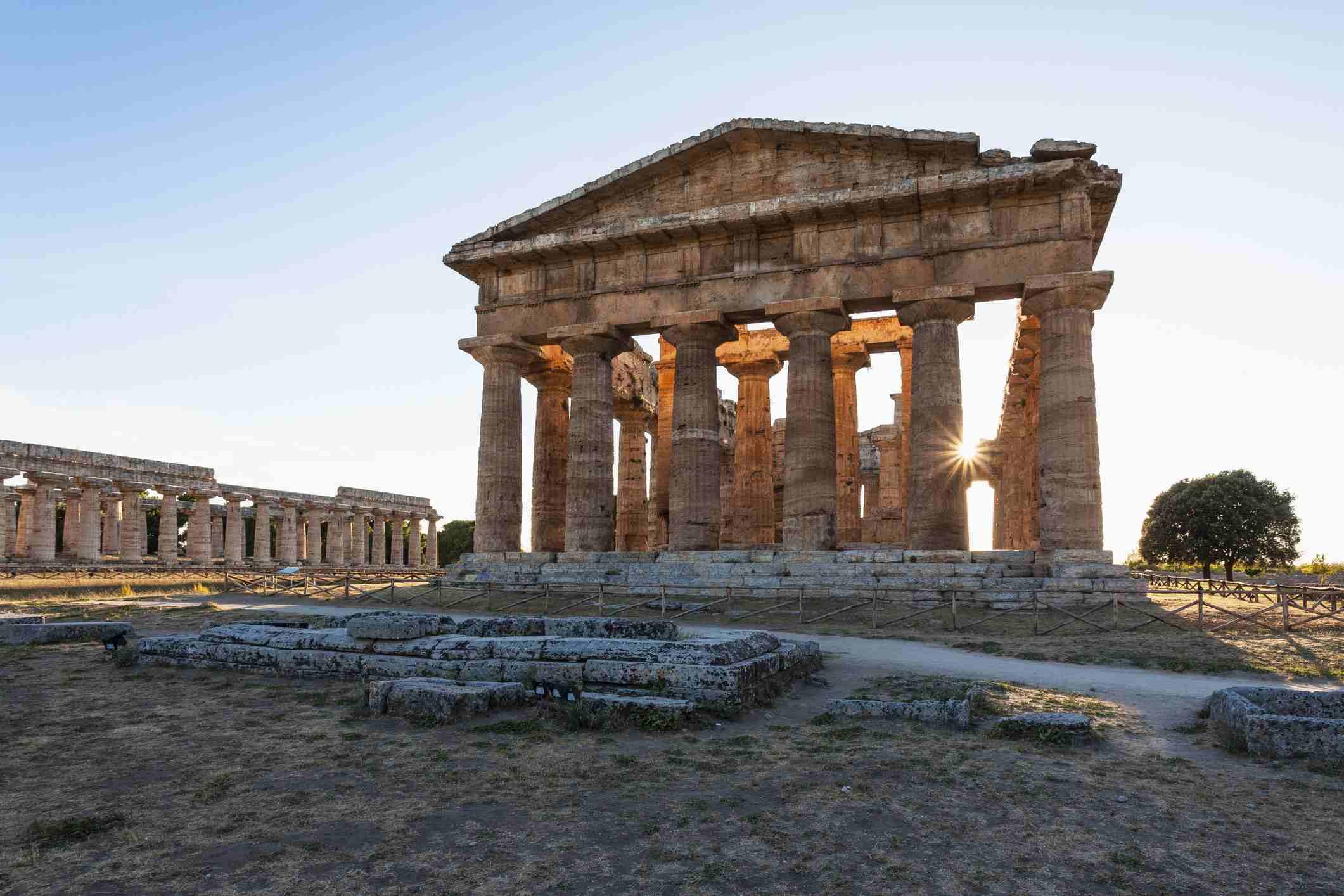 'Poseidon Temple at sunset, Neptune Temple, historic town of Paestum in the Gulf of Salerno, Capaccio, Campania, Italy, Europe'