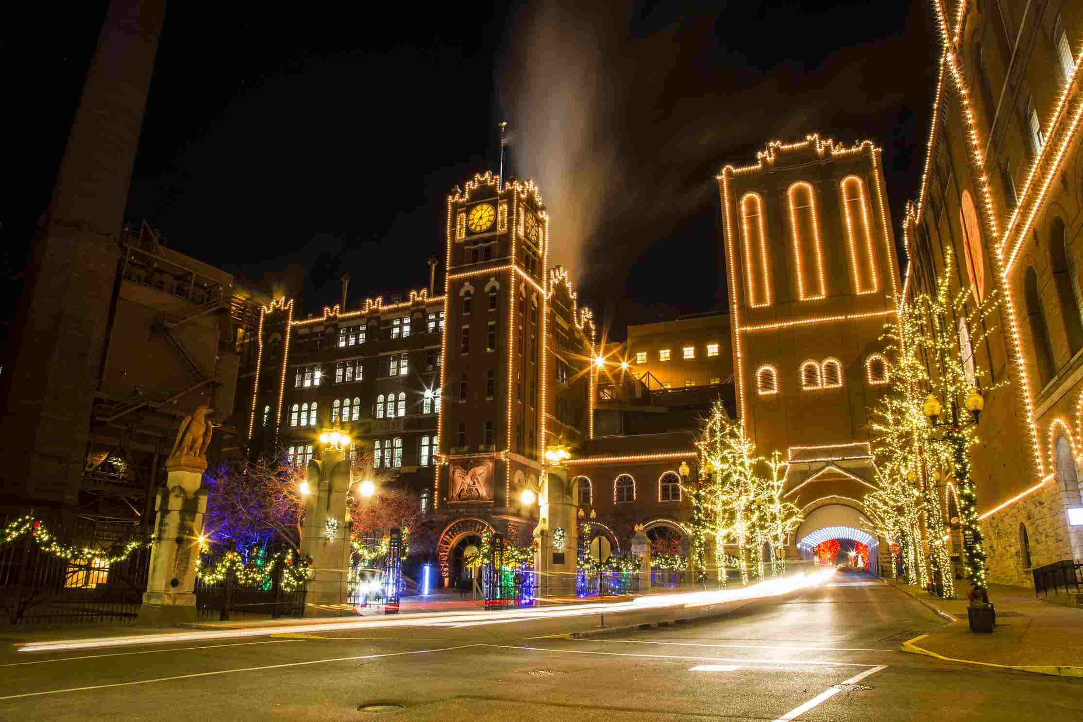 The Best Christmas Light Displays in St Louis