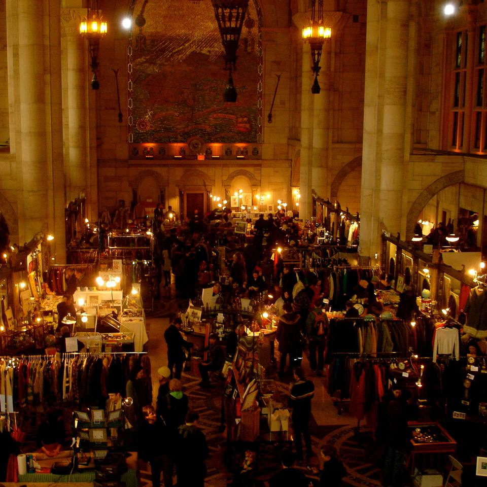 During the winter months, Brooklyn Flea antique and vintage marketplace, is held here, inside the old landmarked Williamsburgh Savings Bank, at Skylight One Hanson in Fort Greene.