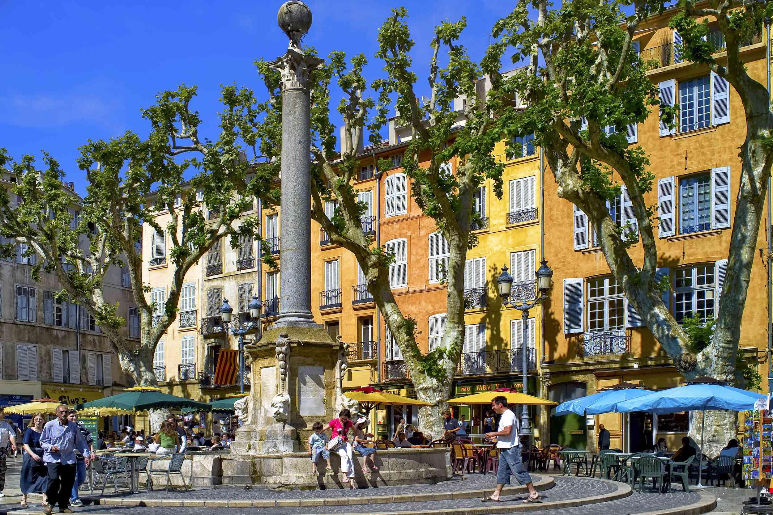 Aix-en-Provence, sunny buildings in France
