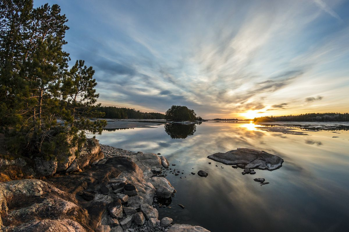 The Boundary Waters: The Complete Guide