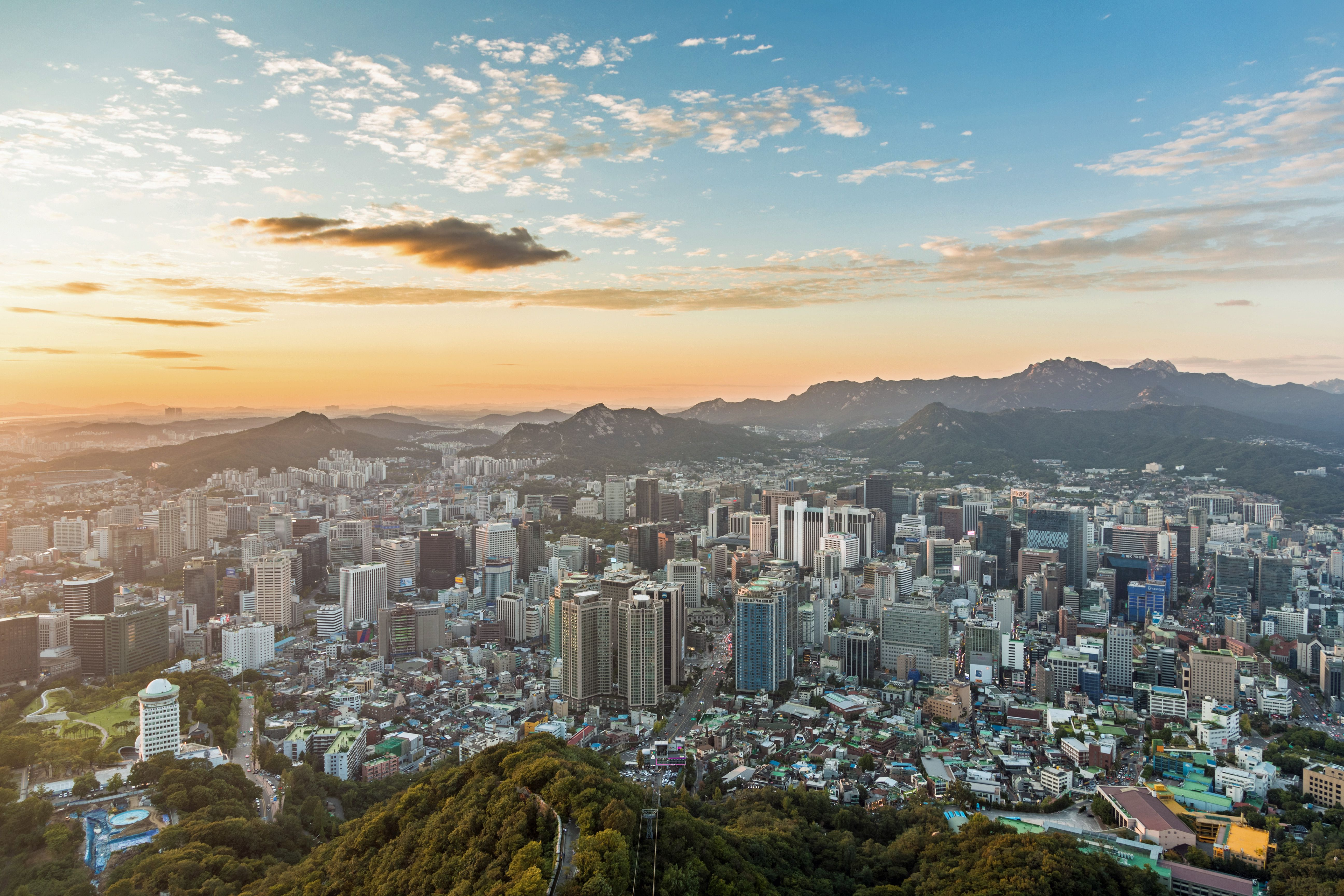 A Travel Guide for How to Visit Seoul on a Budget