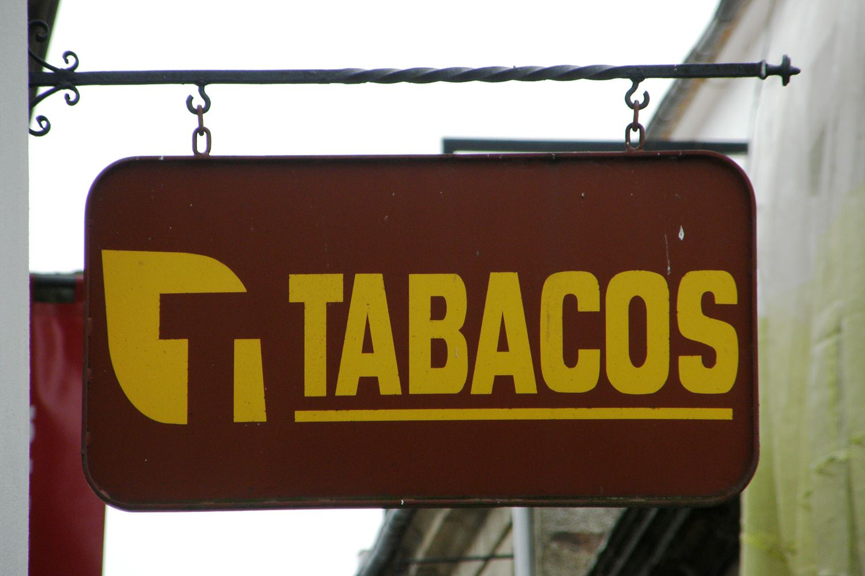 Esté atento a este cartel marrón y amarillo si desea comprar un sello en España