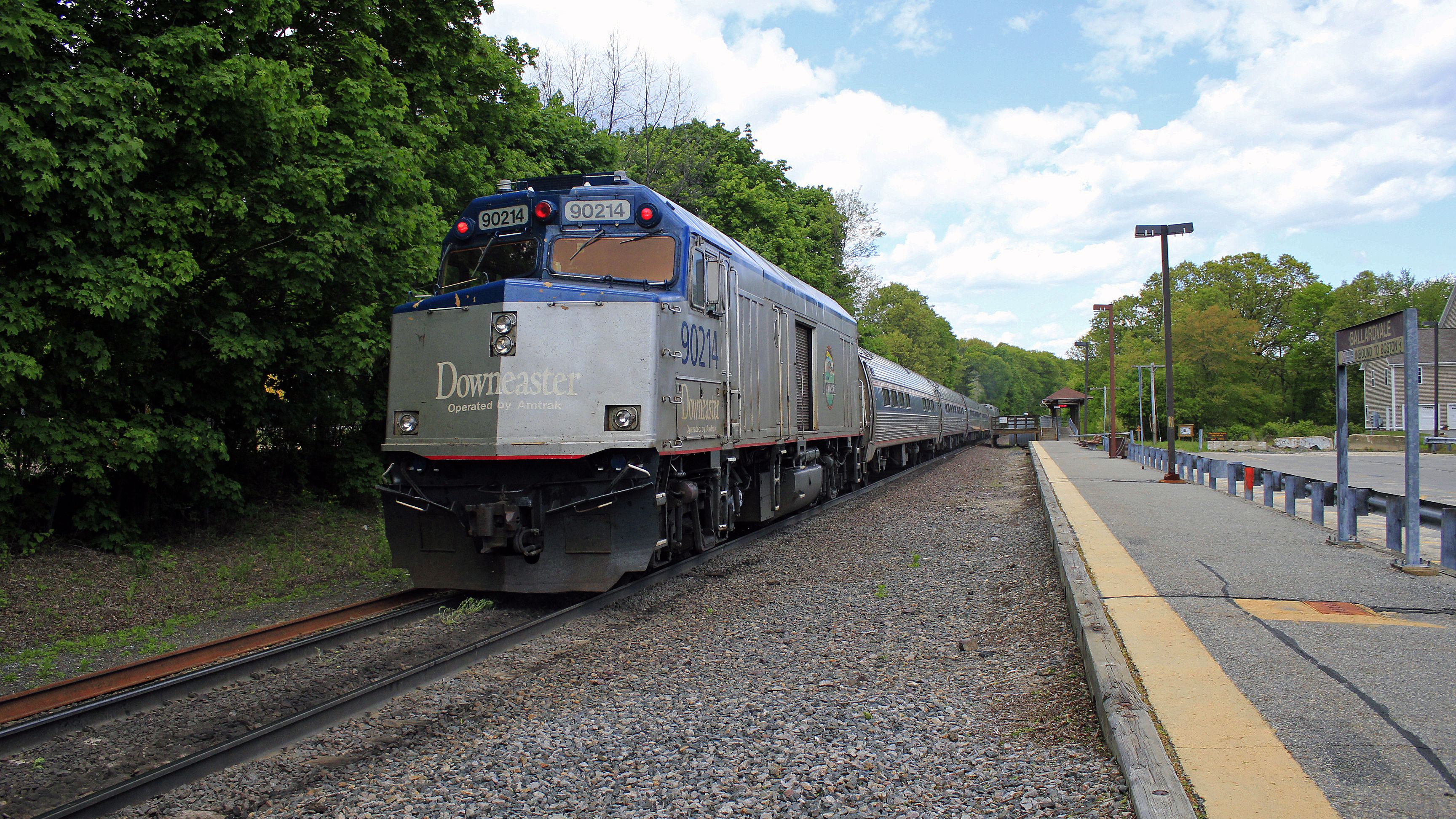 Avoid Traffic and Board a Train to Maine