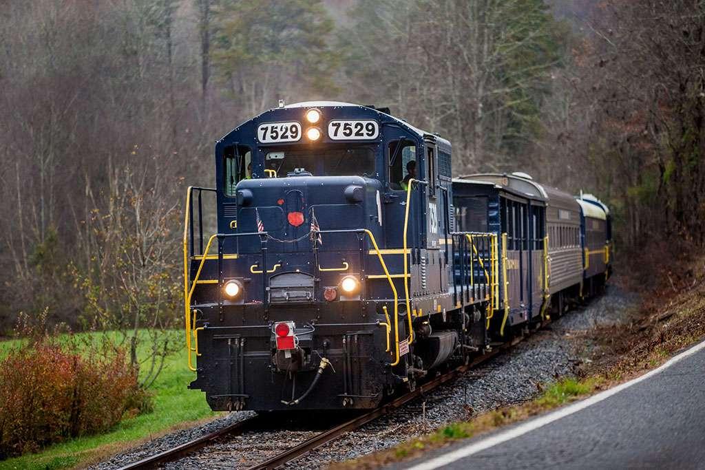 Blue Ridge Scenic Railway train on track heading towards camera