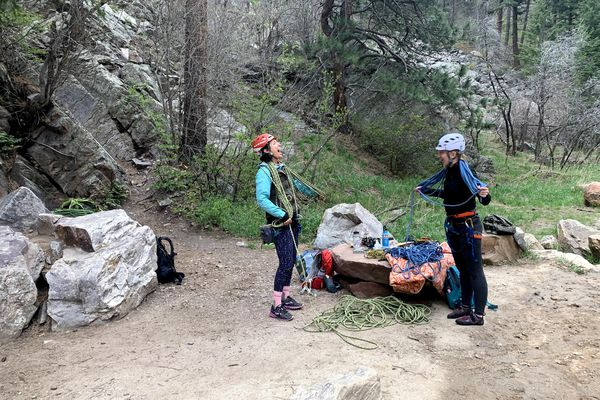 Learning to coil ropes on the ground after climbing