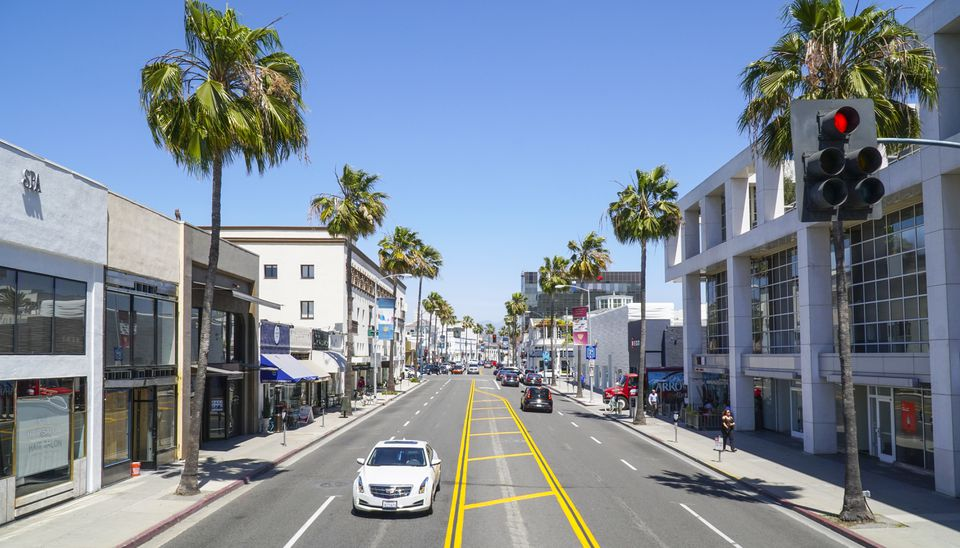 Santa Monica Boulevard street view in Beverly Hills