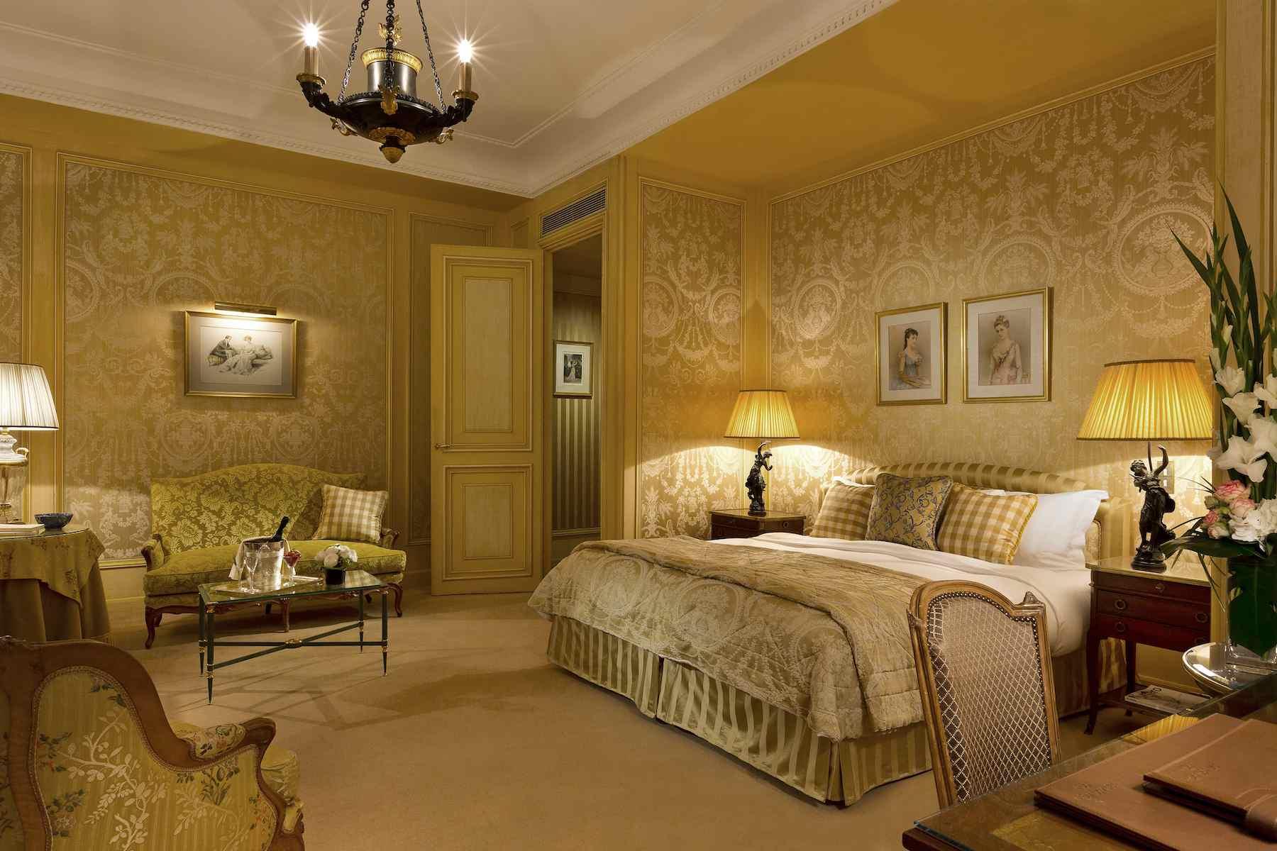 Junior suite en el Hotel St Regis en París