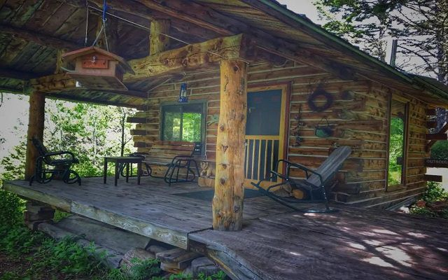Self-Sufficient 1-Bedroom Cabin Near Livingston