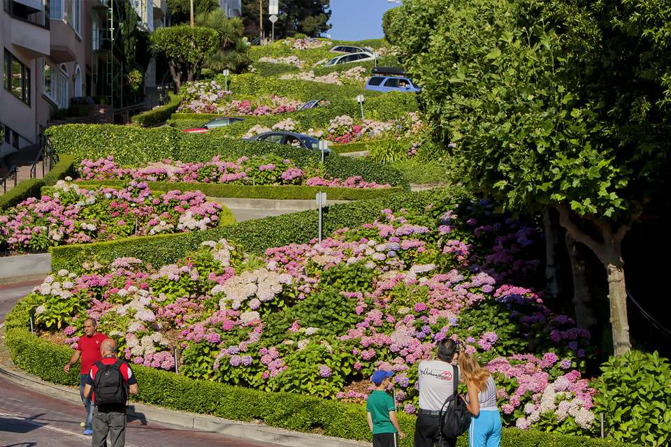 Taking Photos on Lombard Street
