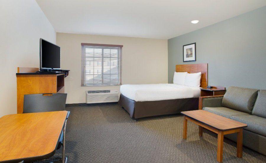 WoodSpring Suites Columbus North I - 270
