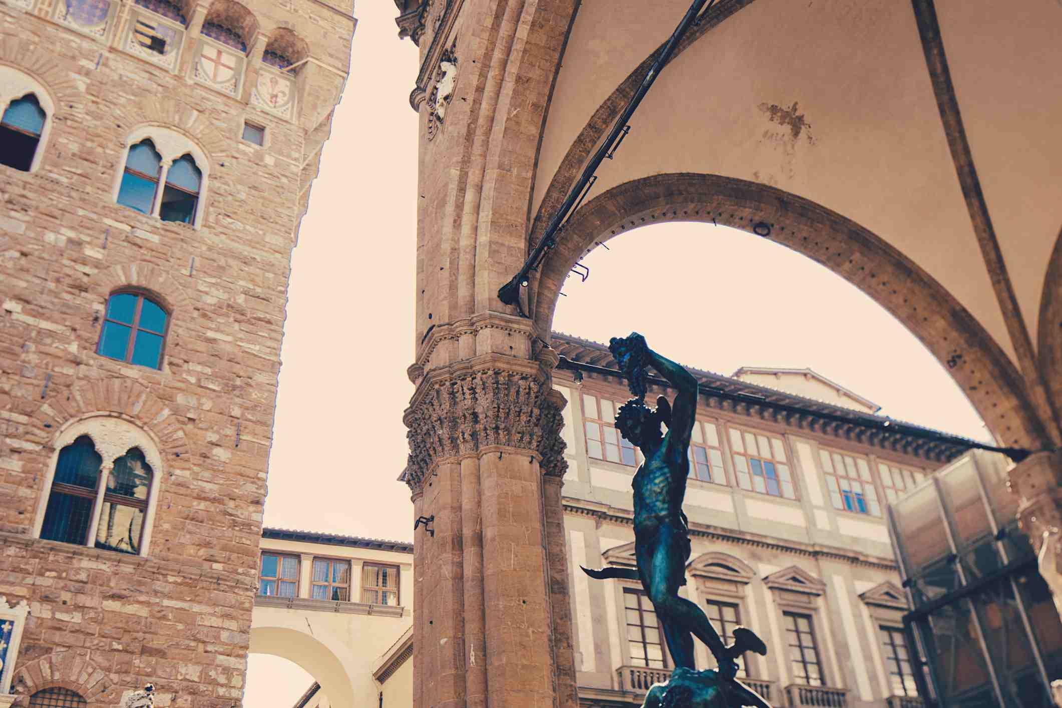 Poslední datované dílo Bernarda Daddi pochází z r Kolébka renesance a někdejší kulturní centrum Itálie.