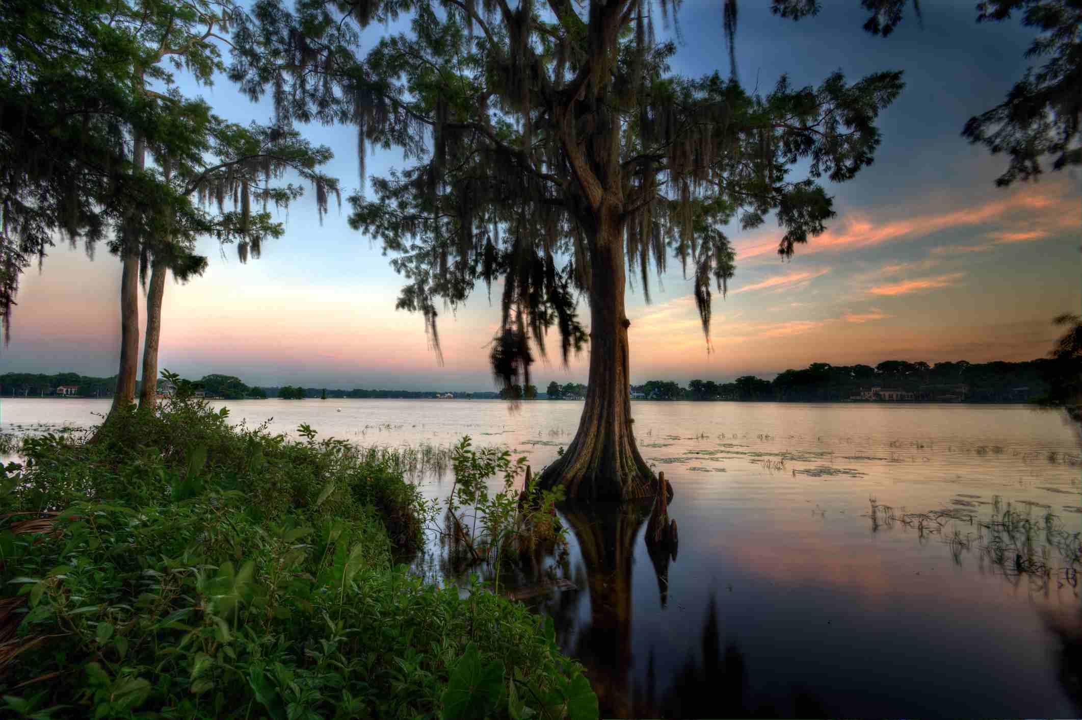 Sunrise over lake Maitland in Winter park, FL