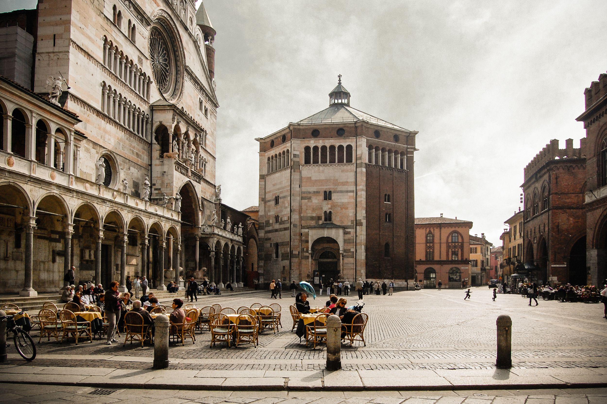 Sidewalk Cafe Against Cremona Baptistery