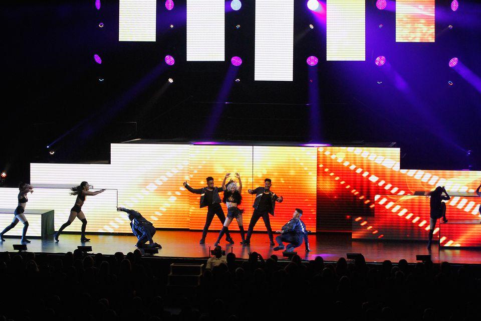 Julianne Hough And Derek Hough's 2015 Move Live Tour - Phoenix, AZ