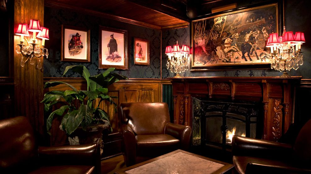 9 Great Manhattan Bars With Fireplaces