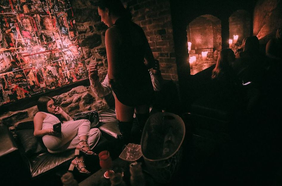 Las cosas que hacer en el Viejo Montreal incluyen clubes nocturnos.