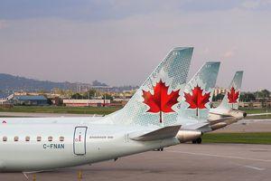 Planes at Montréal Pierre-Elliott-Trudeau Intl (CYUL)