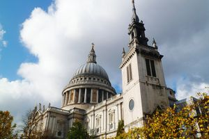 Low Angle View Of St Paul Cathedral Against Cloudy Sky