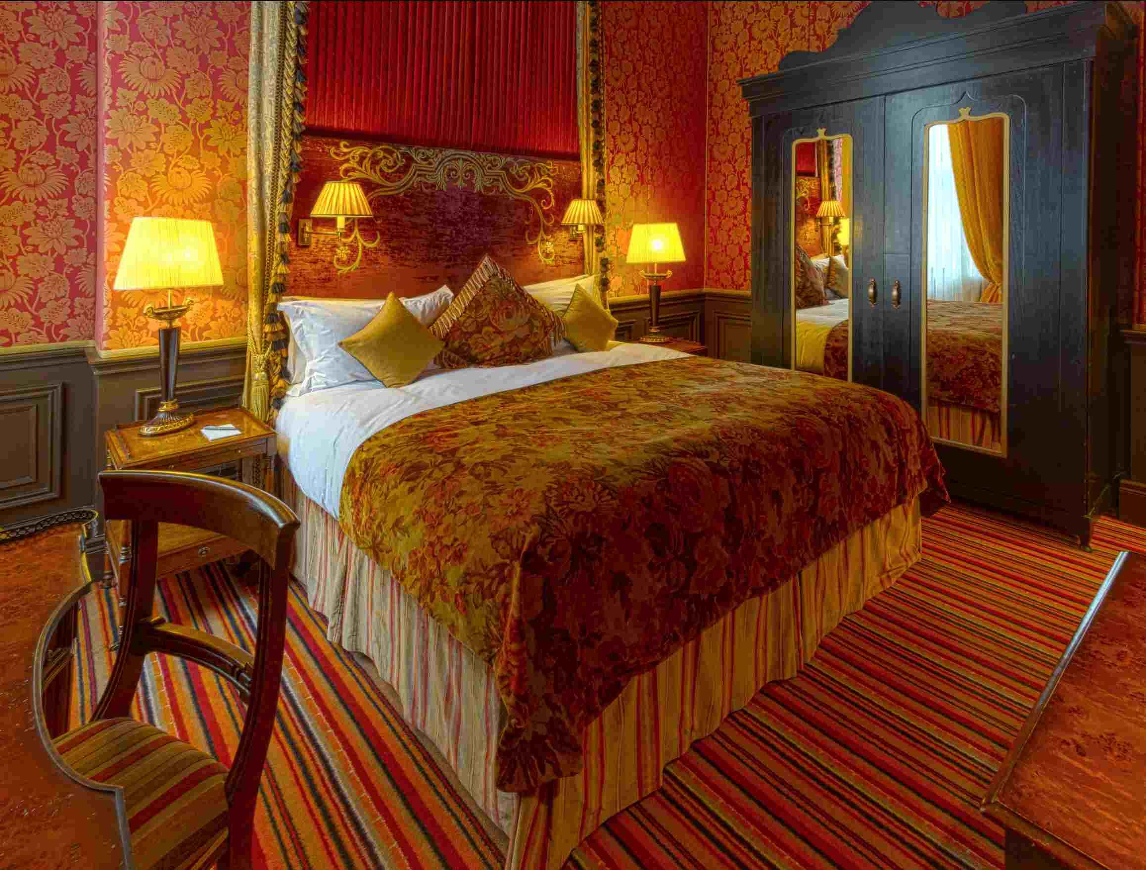 merchant hotel bedroom