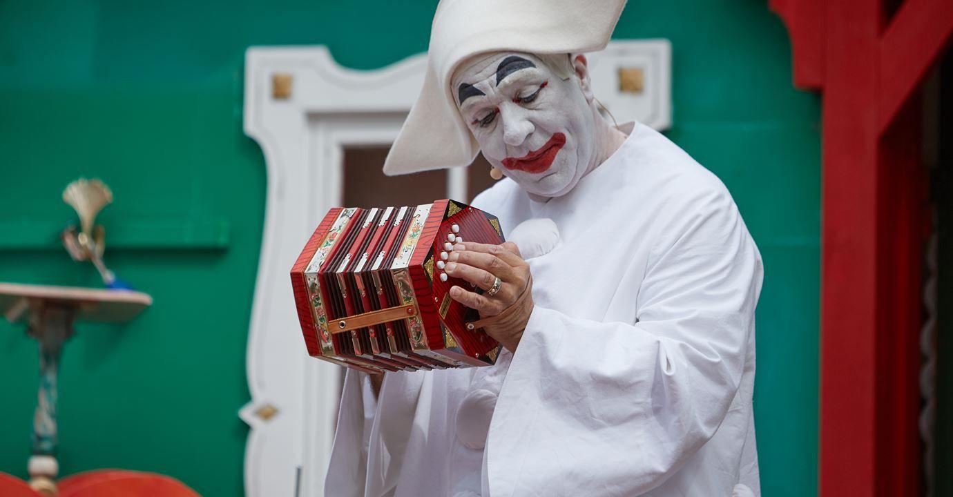 Pjerrot mime at Bakken amusement park