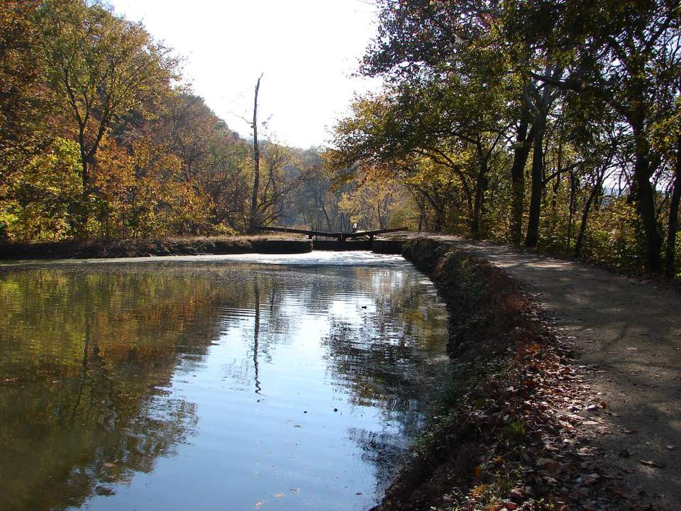 Car That Runs On Air >> Exploring the C & O Canal (Recreation & History Guide)