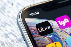 Mobile app Uber and Lyft on a Apple iPhone XR