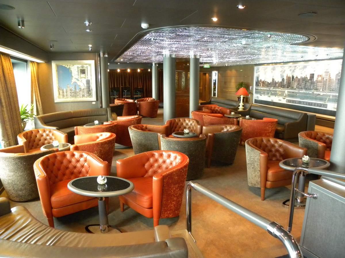 Nieuw Amsterdam - Explorer's Lounge
