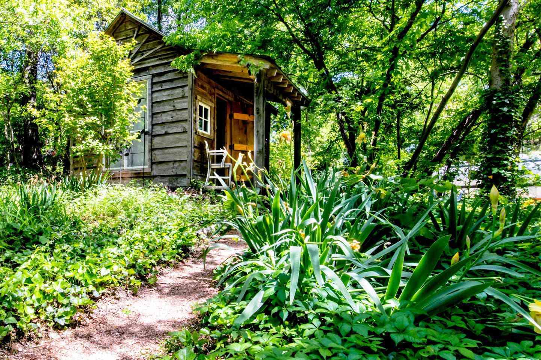 Tiny Cabin in Suburban Dallas