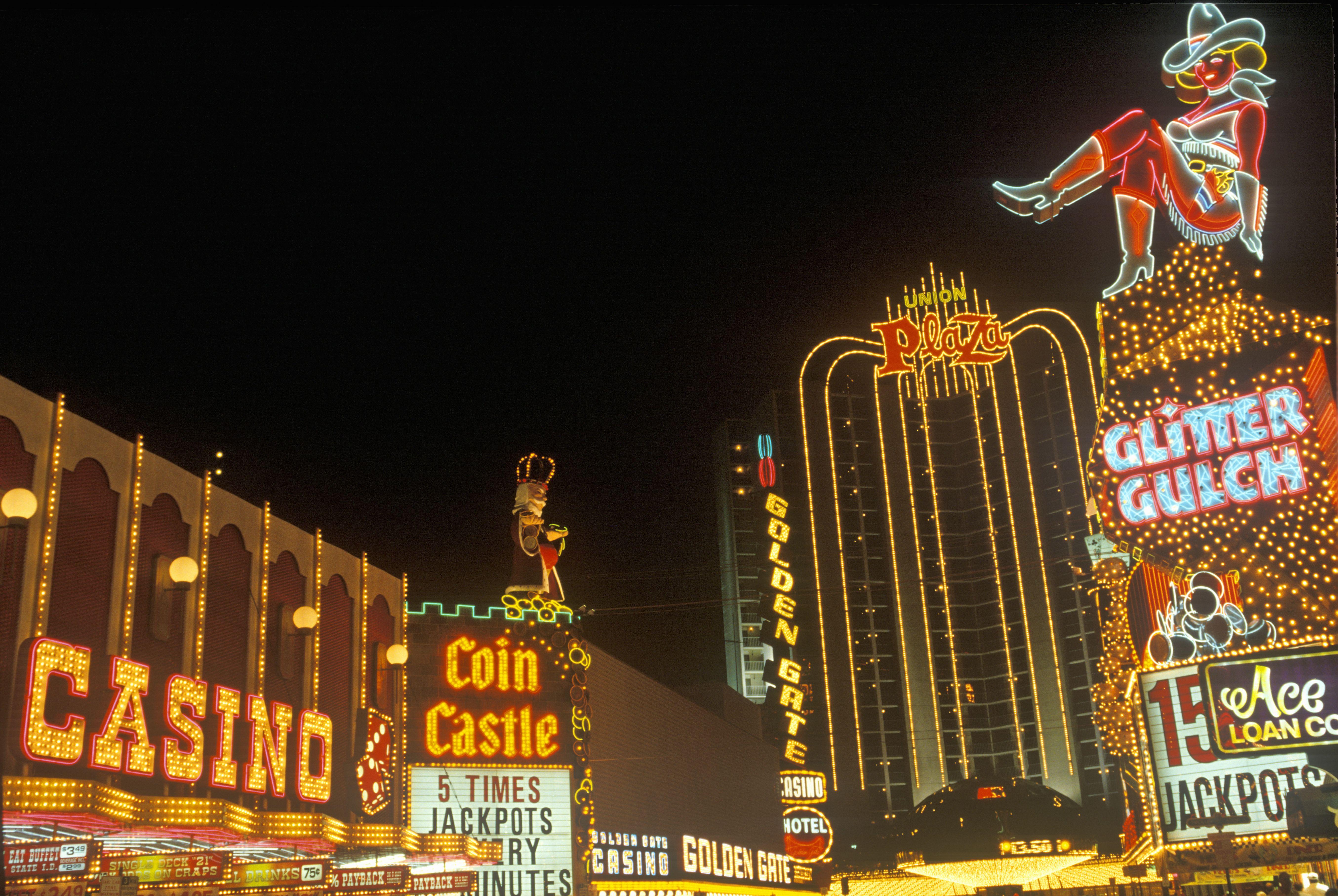 Gold coast casino lounge