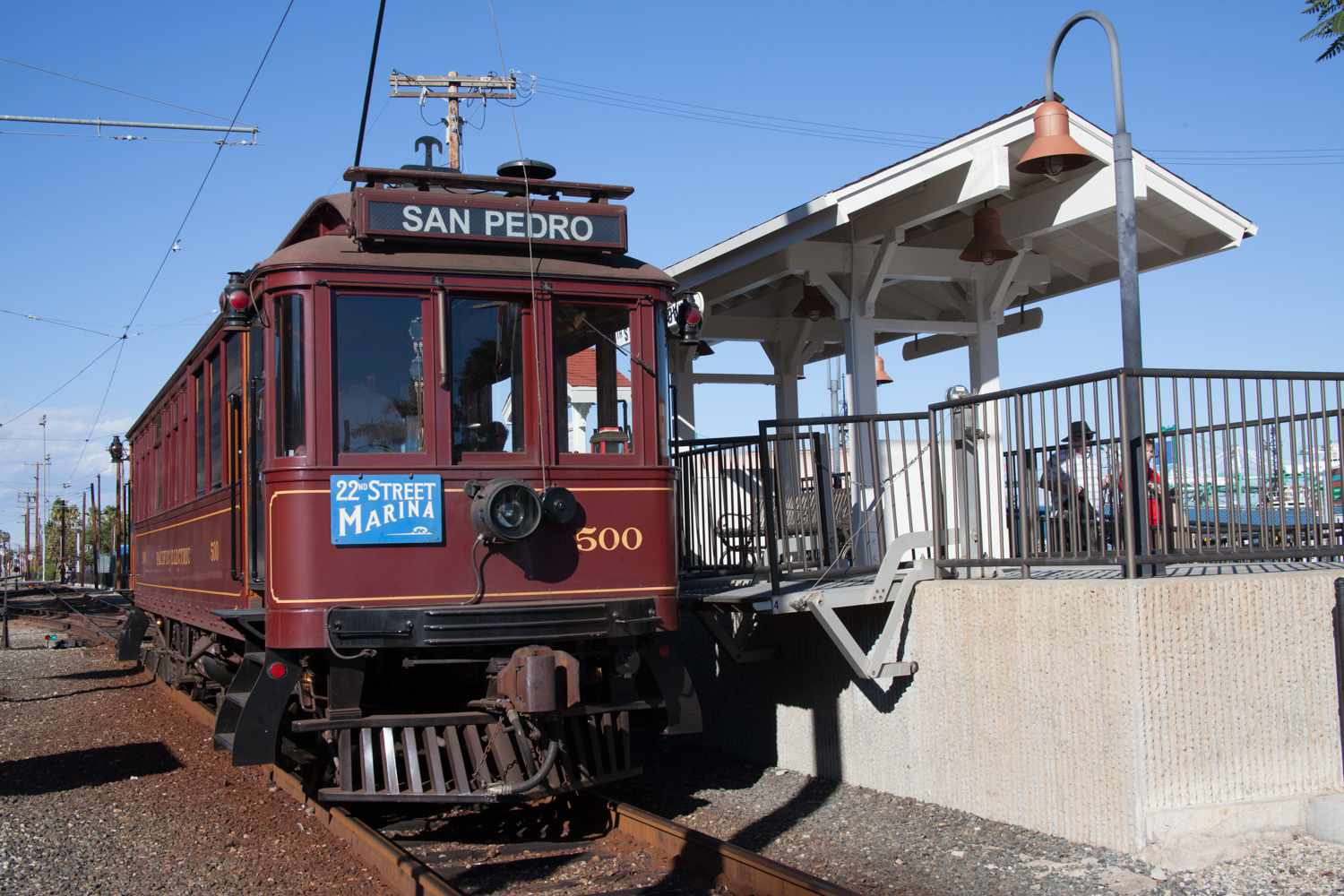 The Waterfront Red Car Line Trolley sirve atracciones junto al puerto en San Pedro