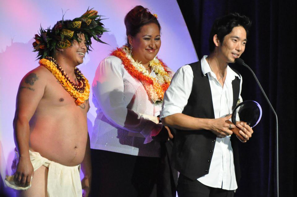 Jake Shimabukuro Receives 2010 Entertainer of the Year Award
