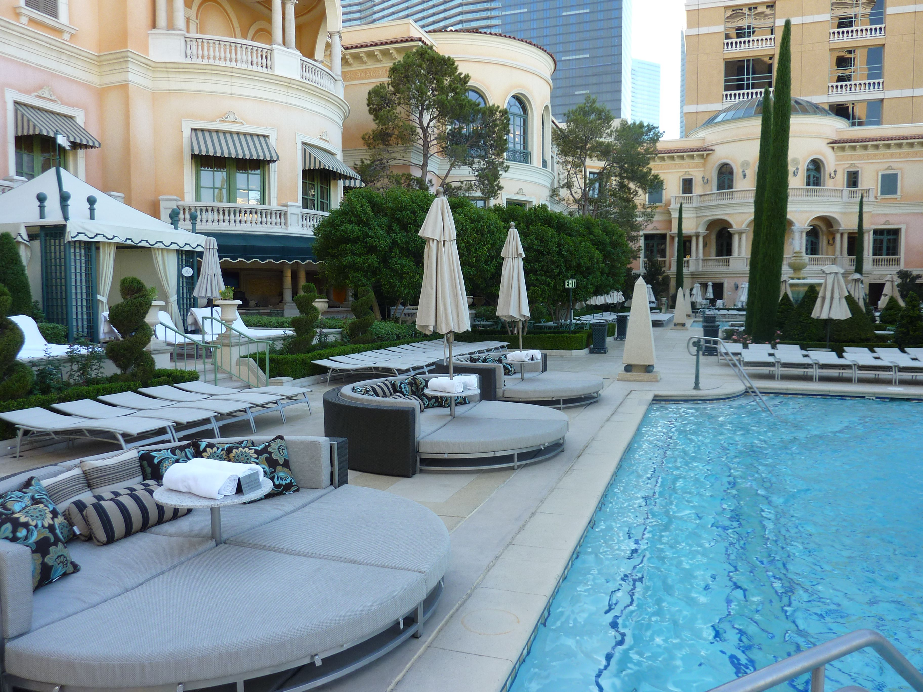 Pictures Of The Pool At Bellagio Las Vegas